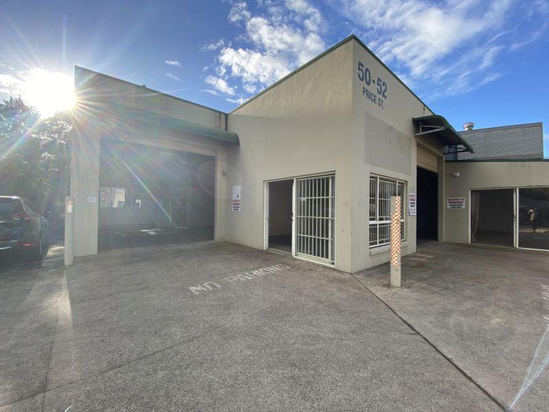 Freestanding Warehouse For Lease in Flexible Zoning Including Indoor Rec