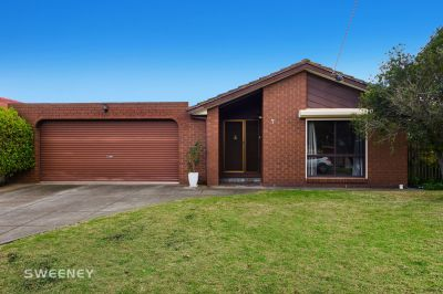Ideal Family Home In Quiet Court Location