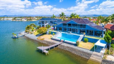 Waterfront Glasshouse Luxury