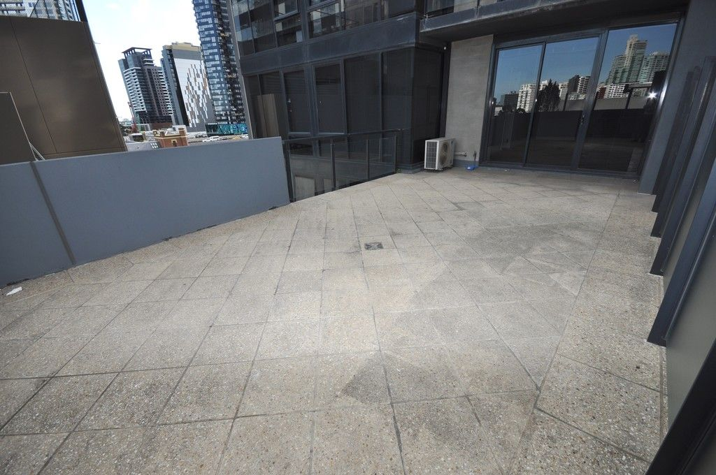 City Tower: 6th Floor - Large Private Terrace!