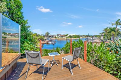 Warm & Welcoming Waterfront Entertainer - Wide Water Views