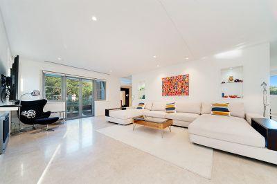 Near New Designer Residence