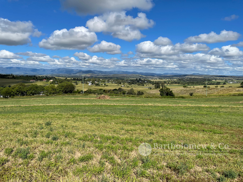 PREMIUM COUNTRY  WITH PICTURESQUE VIEWS