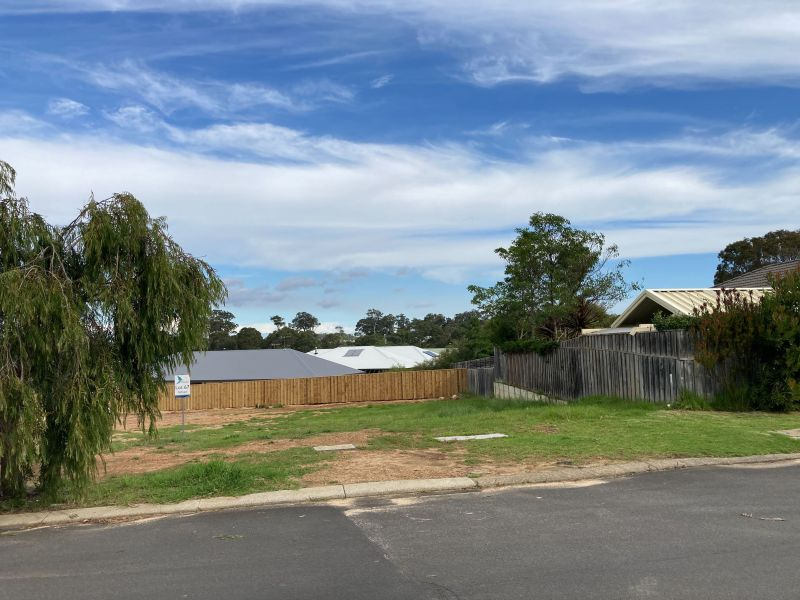 For Sale By Owner: 14 Birch Loop, Margaret River, WA 6285