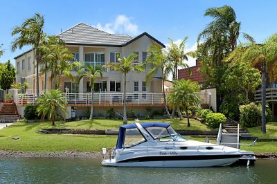 SENSATIONAL WATERFRONT HOME- OPULENT LIVING!