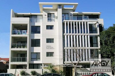Premier Top Floor Apartment