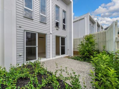 Newly Built Townhouse in Great Location