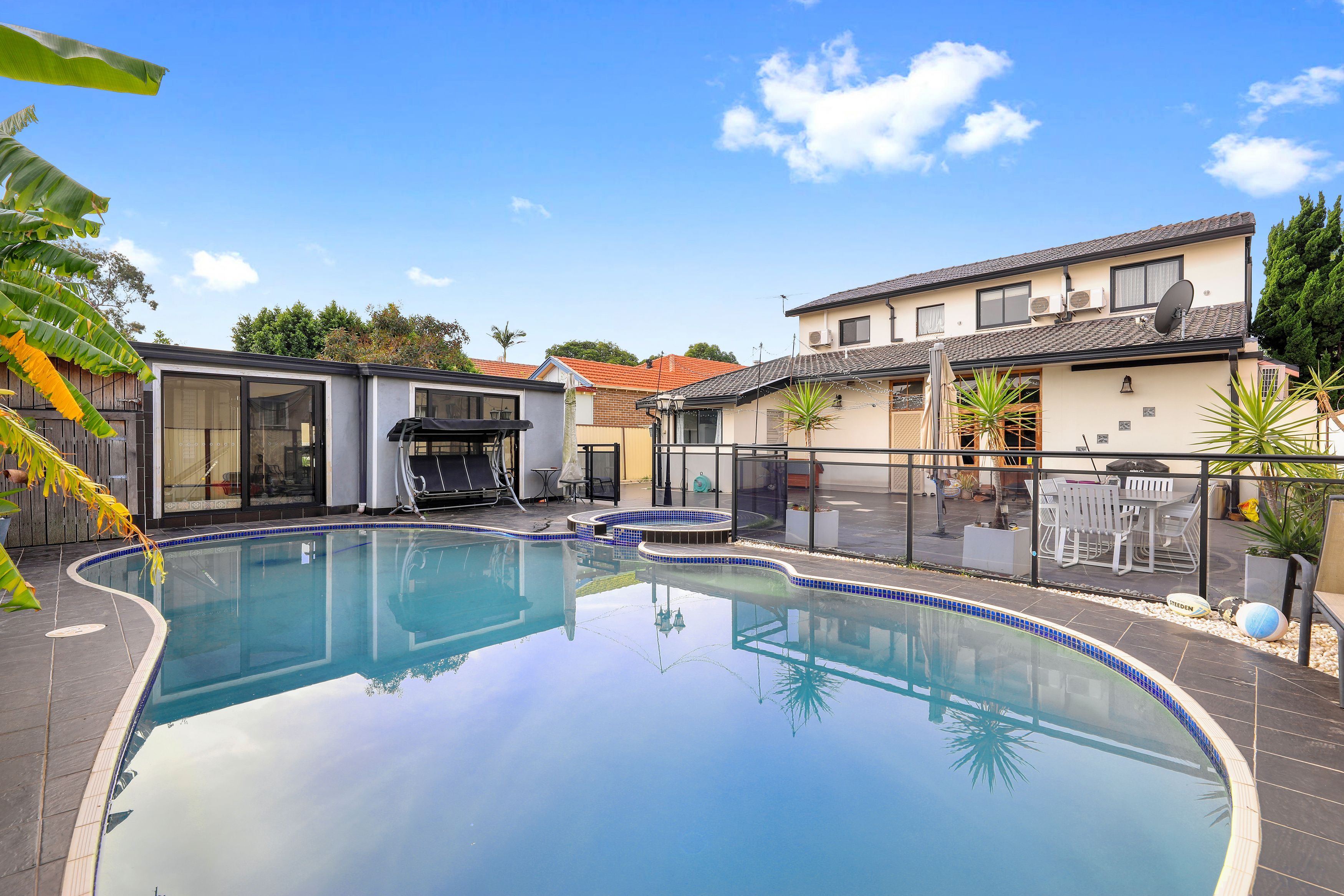 2 Thornleigh Avenue, Concord NSW 2137