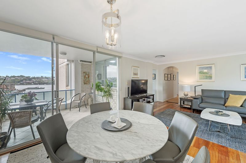Spacious Waterfront Entertainer with Superb Views