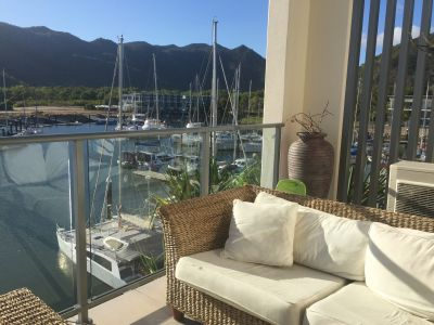 ABSOLUTE WATERFRONT DUAL KEY APARTMENT - GREAT INVESTMENT