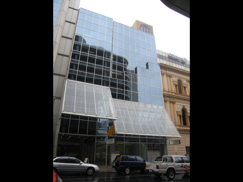 In the heart of the CBD close to the financial and business districts