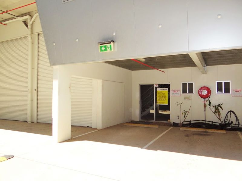 Centrally Located Warehouse with Mezzanine Office Space -  Maroochydore