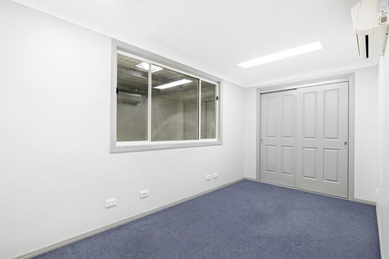 Unbeatable Location Near M1 Motorway - This Will Not Last Long!