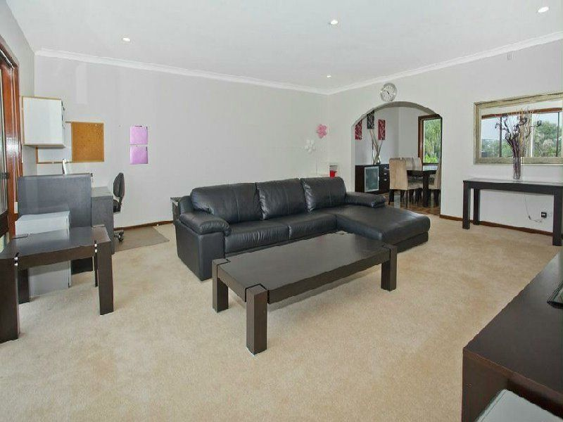 4 Evonne Place, Woonona NSW