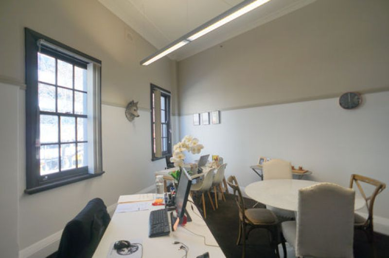 COMPACT OFFICE STUDIO WITH ABUNDANT NATURAL LIGHT