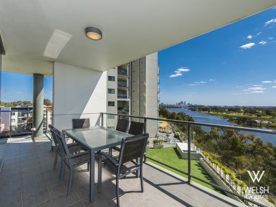 STUNNING HIGH END FURNISHED APARTMENT OVERLOOKING THE RIVER!!