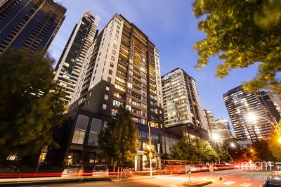 Yarra Condos: 18th Floor - FULLY FURNISHED: Vogue Southbank Living! L/B