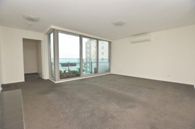 Light and Bright - Spacious Two Bedroom Apartment!