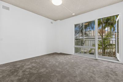 Updated Studio with Private Balcony - in the heart of Paddington