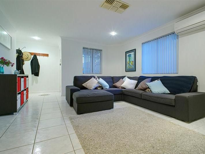 4/19 Currong Way Nollamara 6061