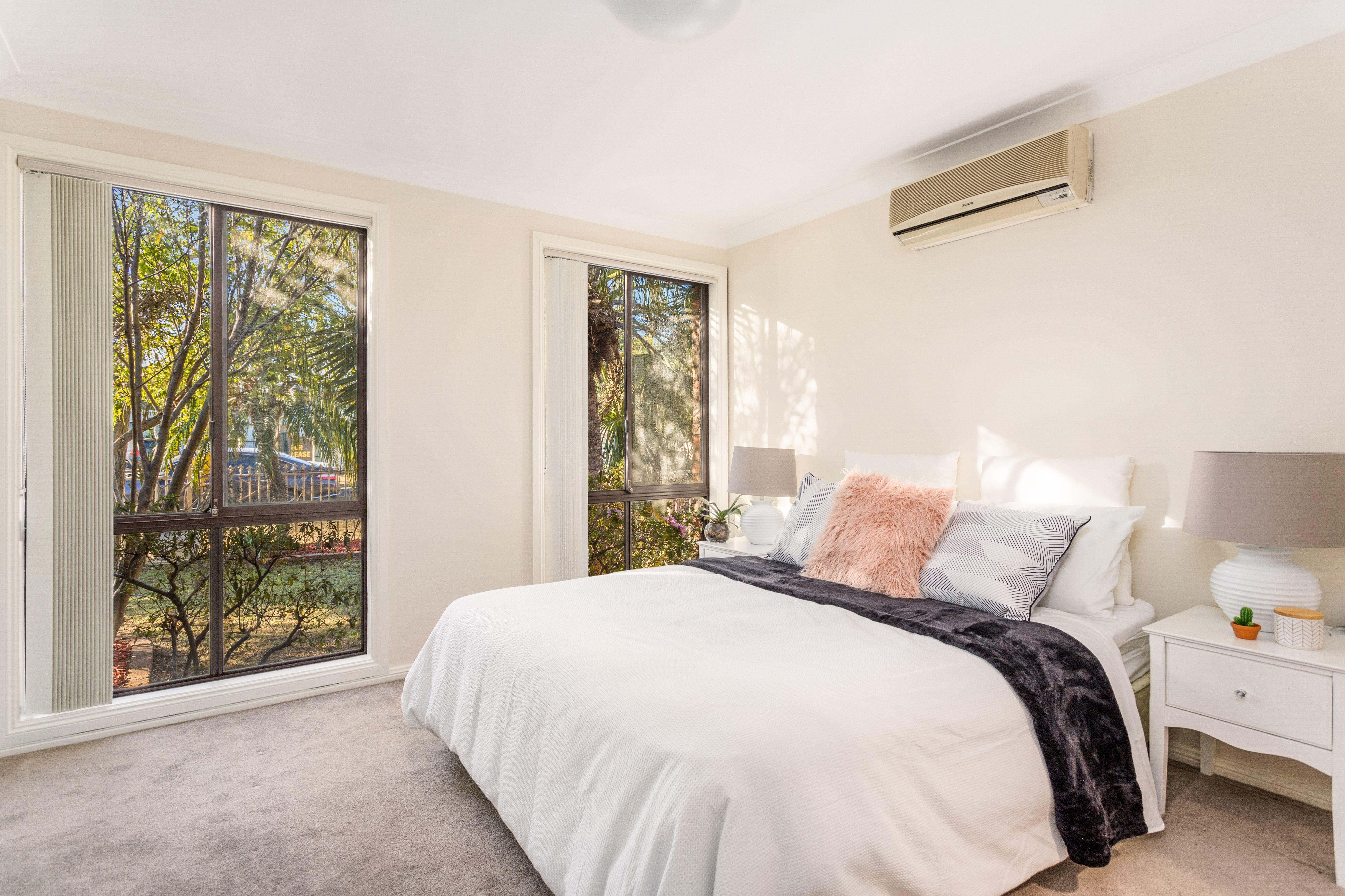 33 Haig Avenue, Georges Hall NSW 2198