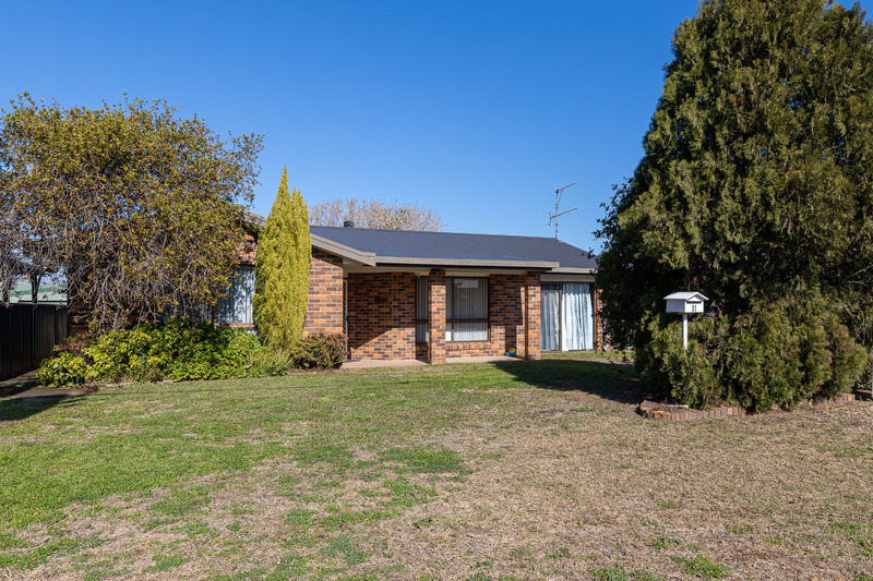 For Sale By Owner: 11 Turtle Street, Denman, NSW 2328