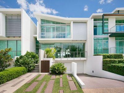Best Position On Ephraim Island - Stunning 3-Level Villa