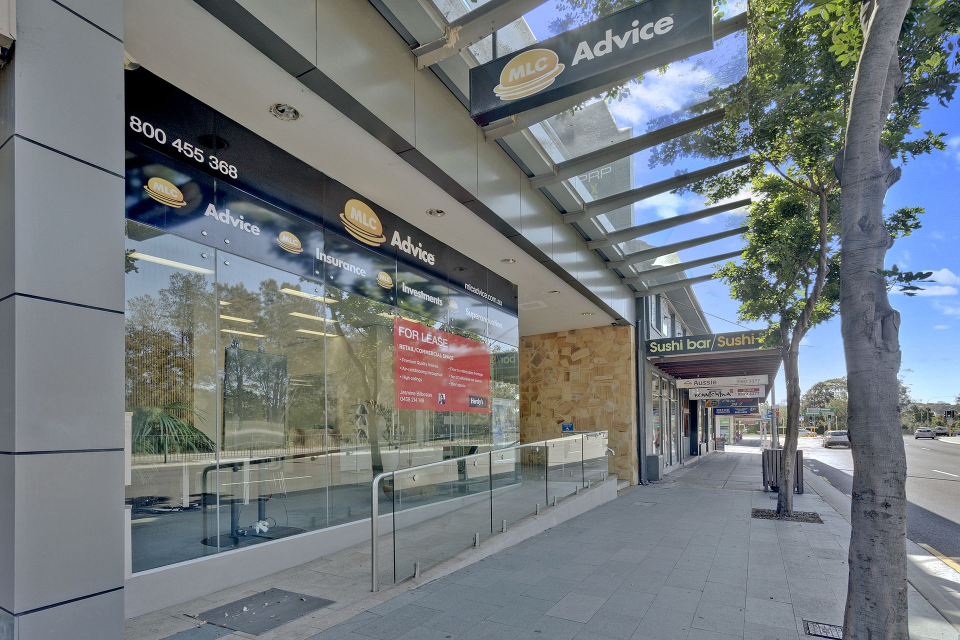 Modern Commercial/Retail Space with Floor to Ceiling Windows