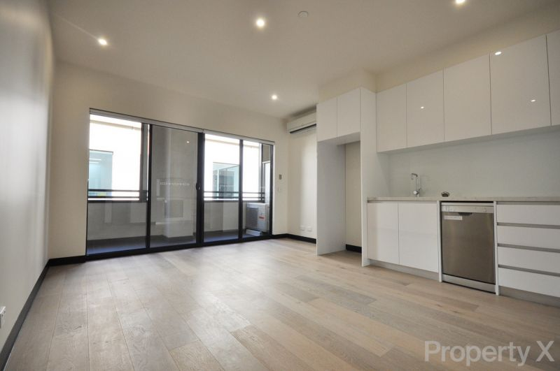 One Bedroom Apartment close to Crown, Trains/Trams and Delicious Food!