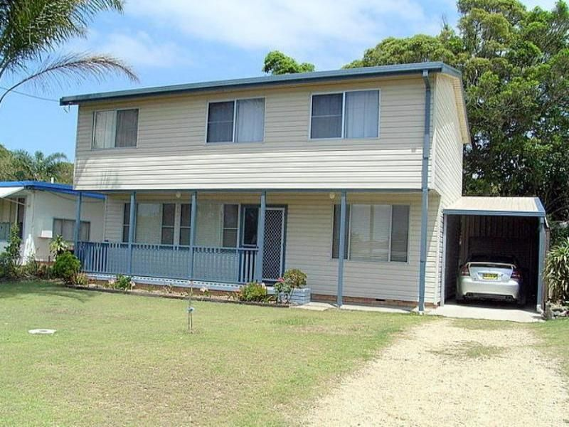 LARGE MODERN HOUSE IN MYLESTOM