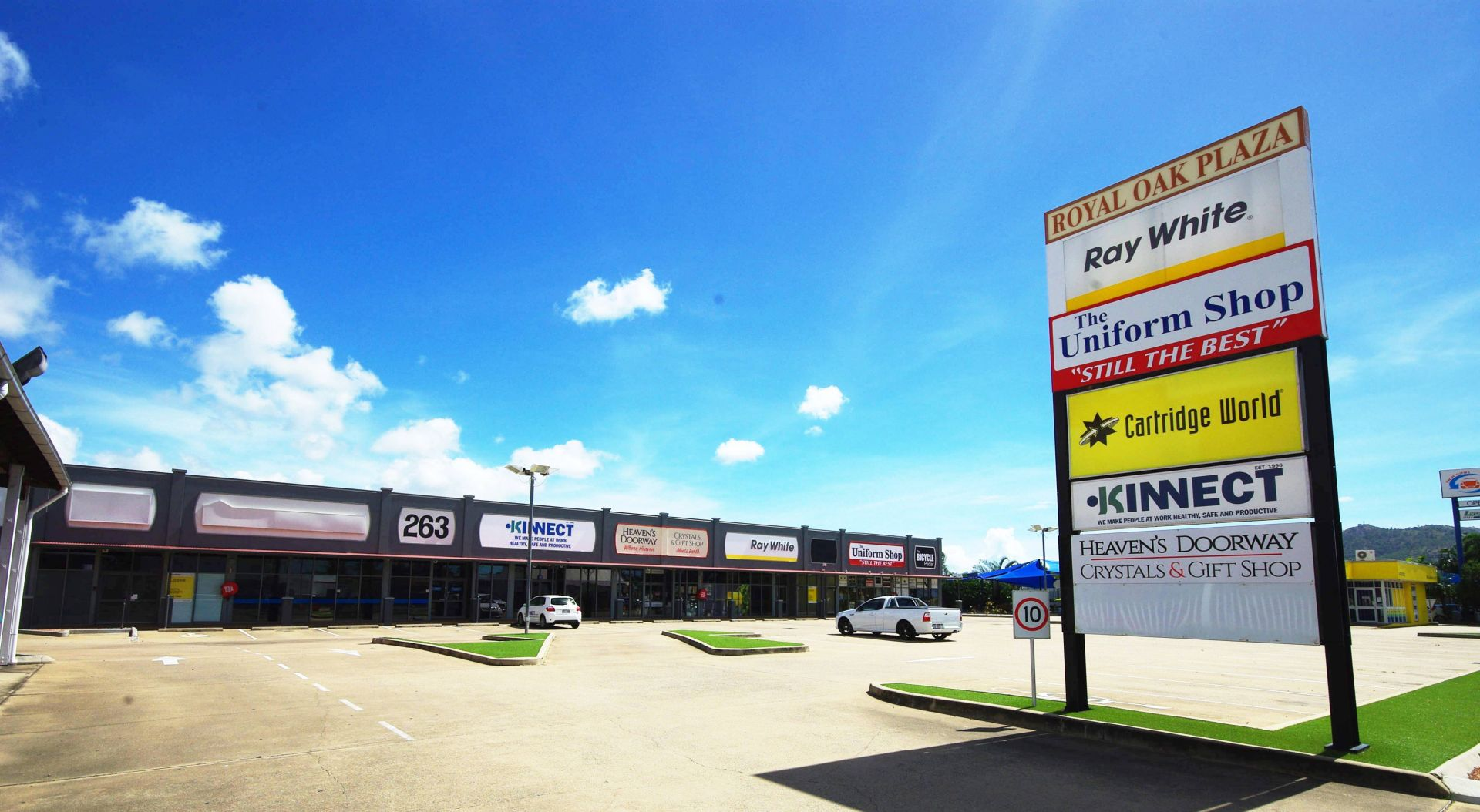 Charters Towers Road Retail or Professional office - Modern Centre
