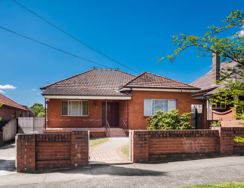 Size, scope & position combine in this Haberfield home