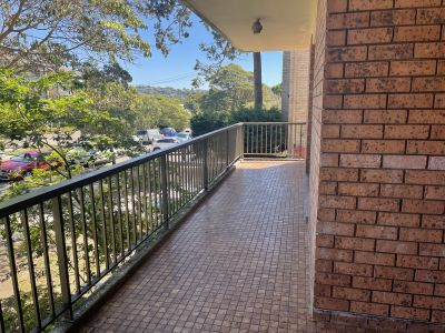 Spacious Two bedroom Unit with Parking