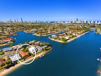 SHOWCASE WATERFRONT LOCATION - SOUTH TO WIDE WATER