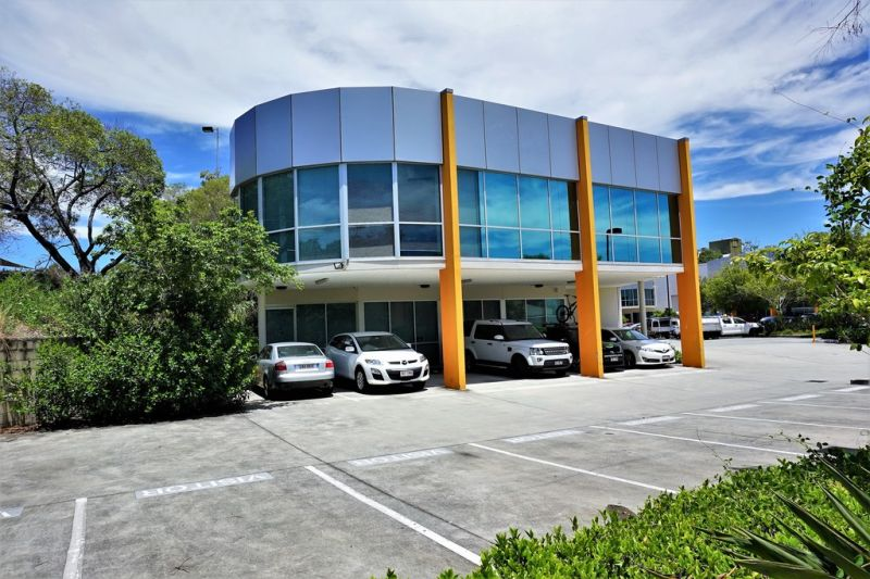 458m2* HIGH QUALITY, PROMINENT METROPLEX OFFICE / WAREHOUSE