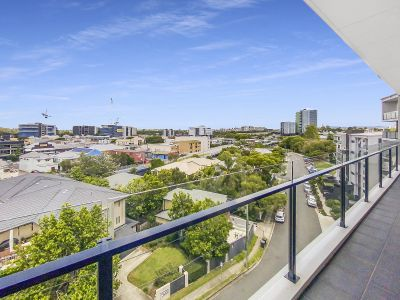 Stunning Top Floor Apartment With Views Everwhere