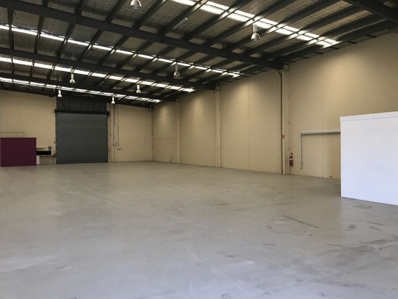 Industrial Warehouse with Bruce Highway Exposure
