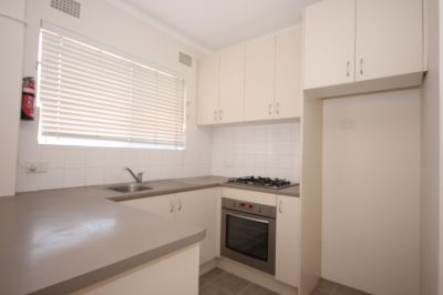 Modern Unit with 2 Parkings Spots - PRICE DROP