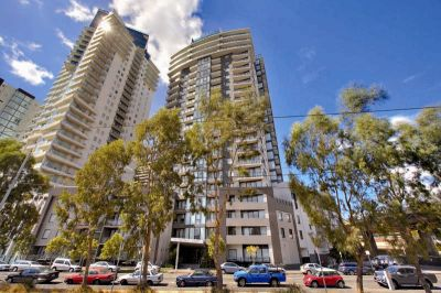 Yarra Crest: 13th Floor - Tram Stop At Your Doorstep!