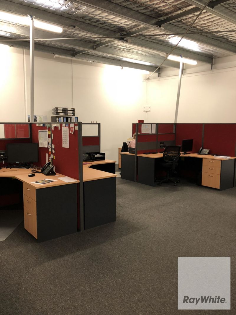 Modern Office/Warehouse Located in Busy Narangba Industrial Estate