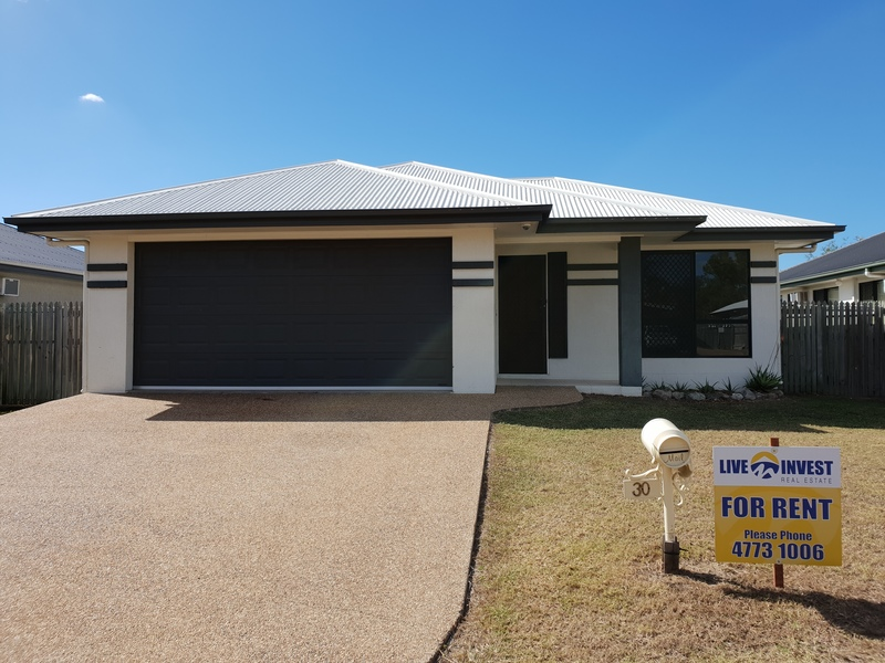 30 Wexford Crescent, Mount Low