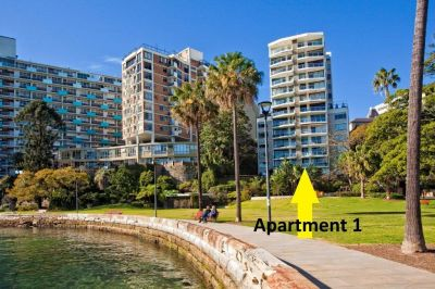 Harbourside/Parkside Garden-Style Apartment With Views, Plenty Of Space, Parking & Exclusive Loop Address