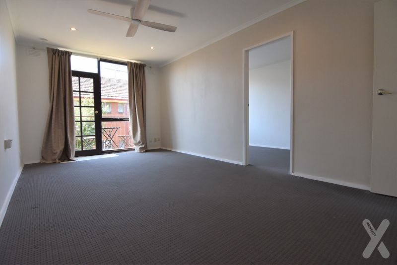 Two Bedroom with Car Space in Footscray!