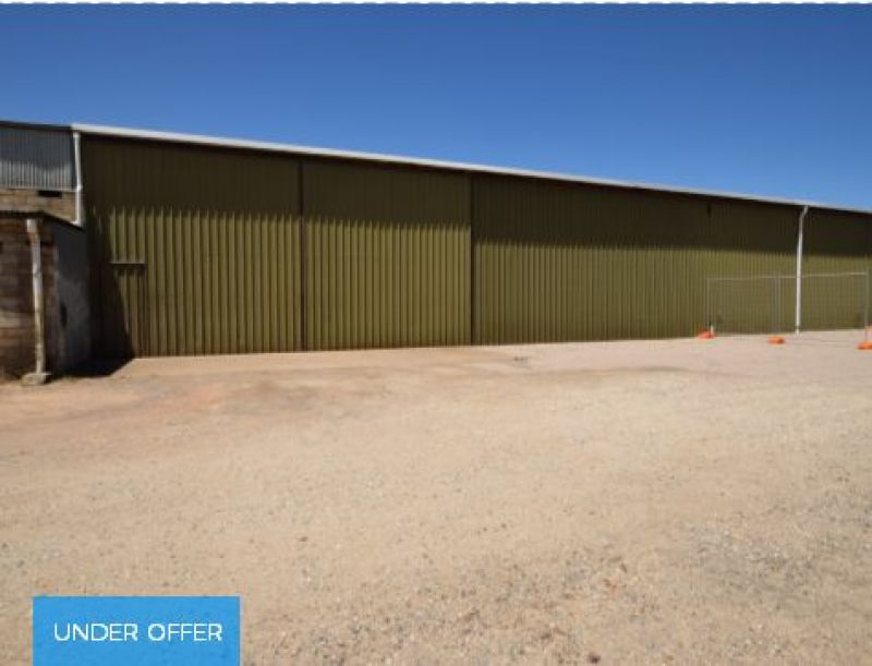 Industrial shed plus office