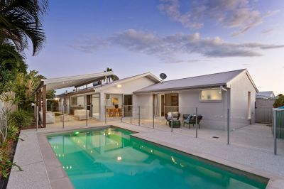 Designer Home With Pool In The Heart Of Burleigh