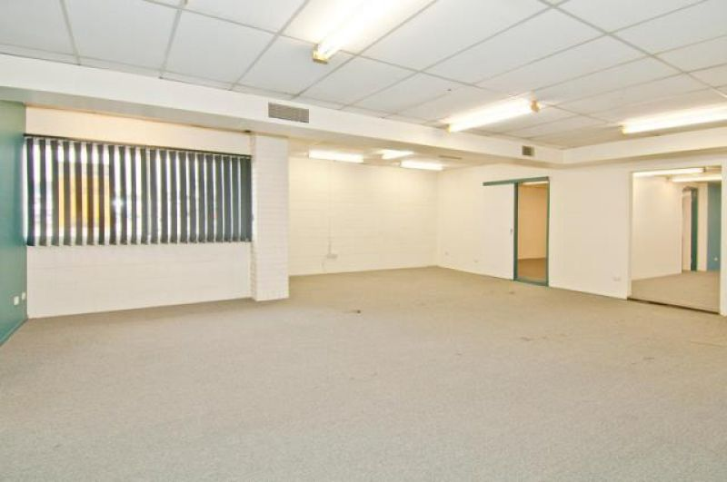 Logan Road Office At Half Rent For 1 Year**
