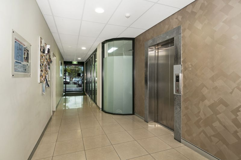 Price Reduction - Corporate Office Suite