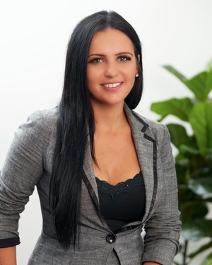 Anita Rozsa Real Estate Agent