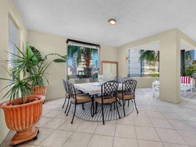 169m2 Luxury Apartment + Study & Huge Balcony