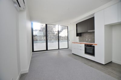 Superb, Stylish and Perfectly Situated One Bedroom Apartment!